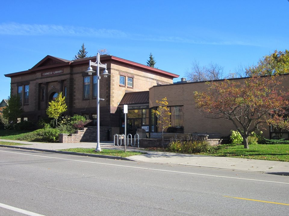 Two Harbors Public Library